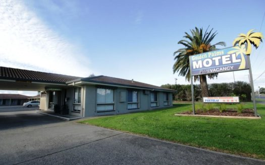 Golden Palms Motel - Grovedale | Cosy Places by C&C