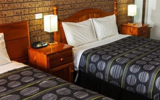 Baronga Motor Inn - Colac East   Cosy Places by C&C
