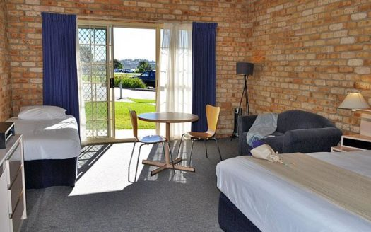 Mollymook Surfbeach Motel & Apartments - Mollymook   Cosy Places by C&C