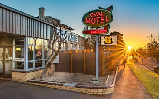 Oval Motel - Murray Bridge | Cosy Places by C&C