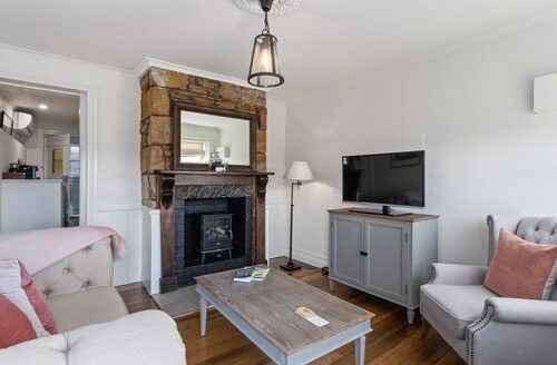 Lythgo's Row Colonial Cottages - Pontville | Cosy Places by C&C